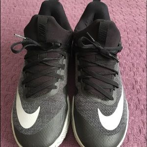 Men's Nike Air Zoom basketball shoes size 10.5